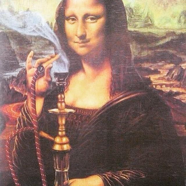 Монна Лиза (Джоконда) курит кальян