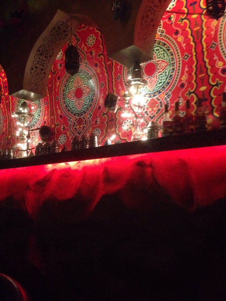 Lamoza hookah bar at night