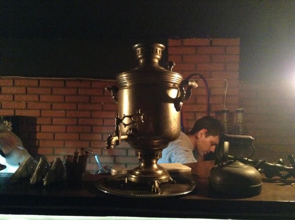 Самовар, в котором также можно заказать чай