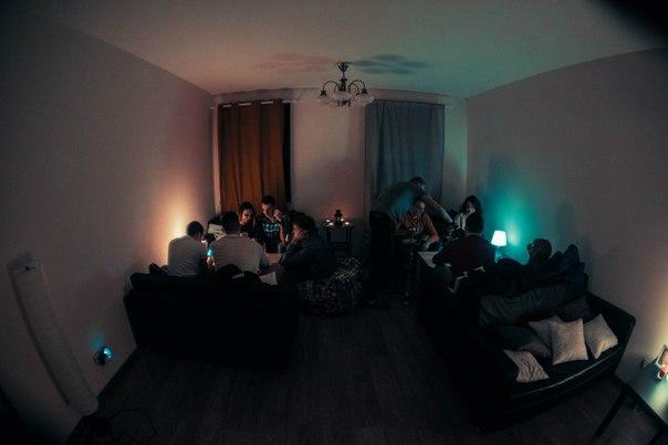 Домашний, вечерний интерьер в Пломбире