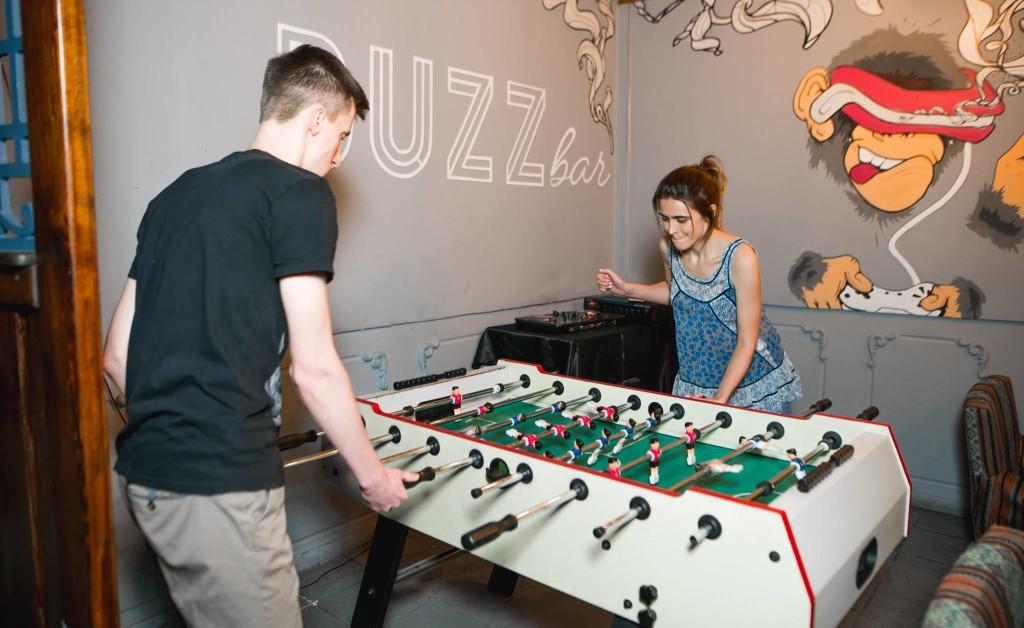 Buzz Bar - настольный футбол в кальянной