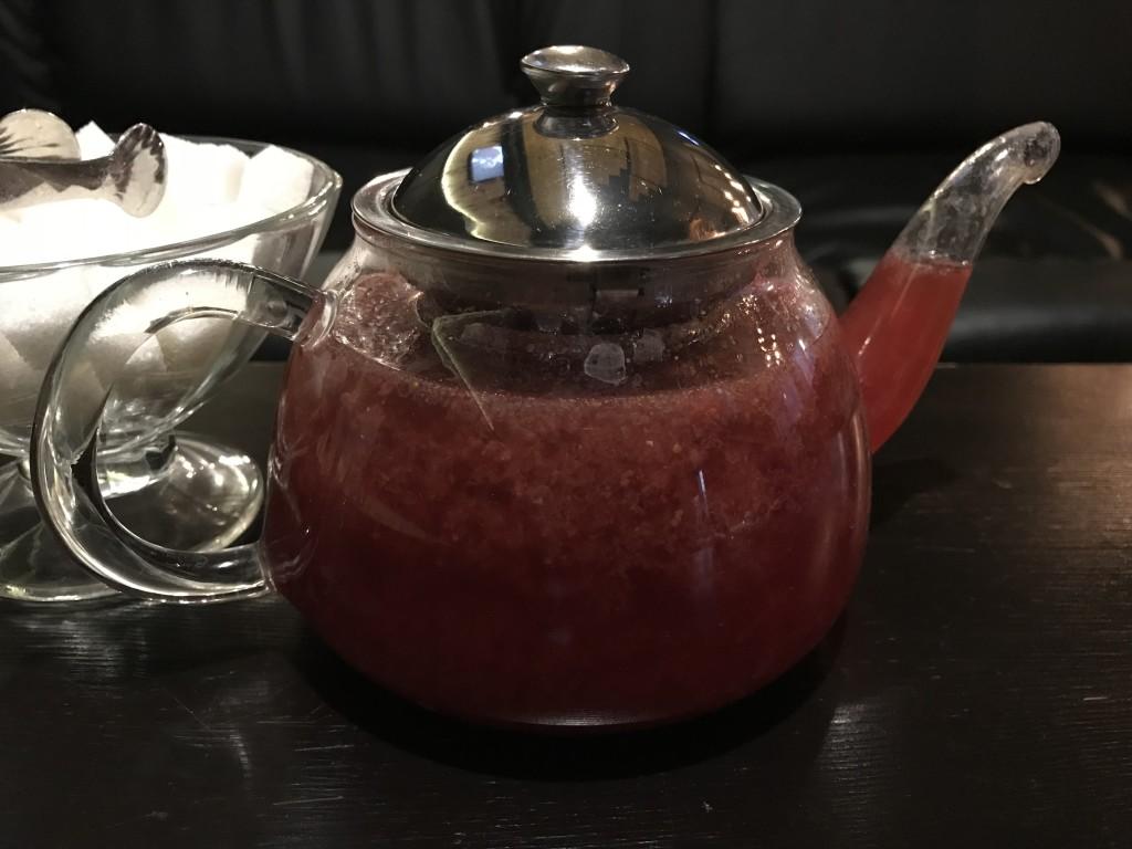 Ягодный чай с корицей в кальянной Нарикела на Сабурова