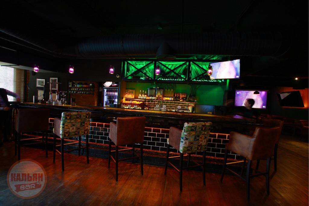 Барная стойка в Hardy Lounge Bar на Братиславской