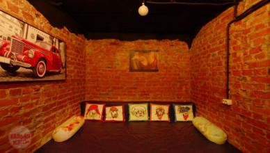 Интерьер вип-зала в кальянной Davy Jones в Москве