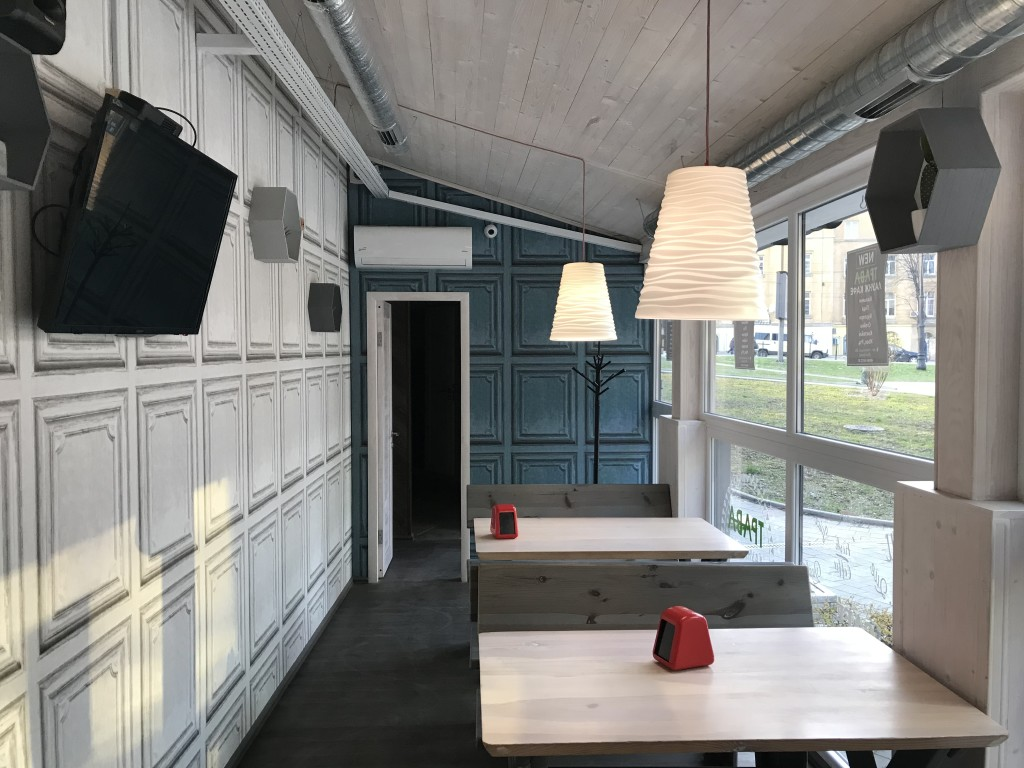 Внутрішня зала кальянної - Трава Лаунж Львів