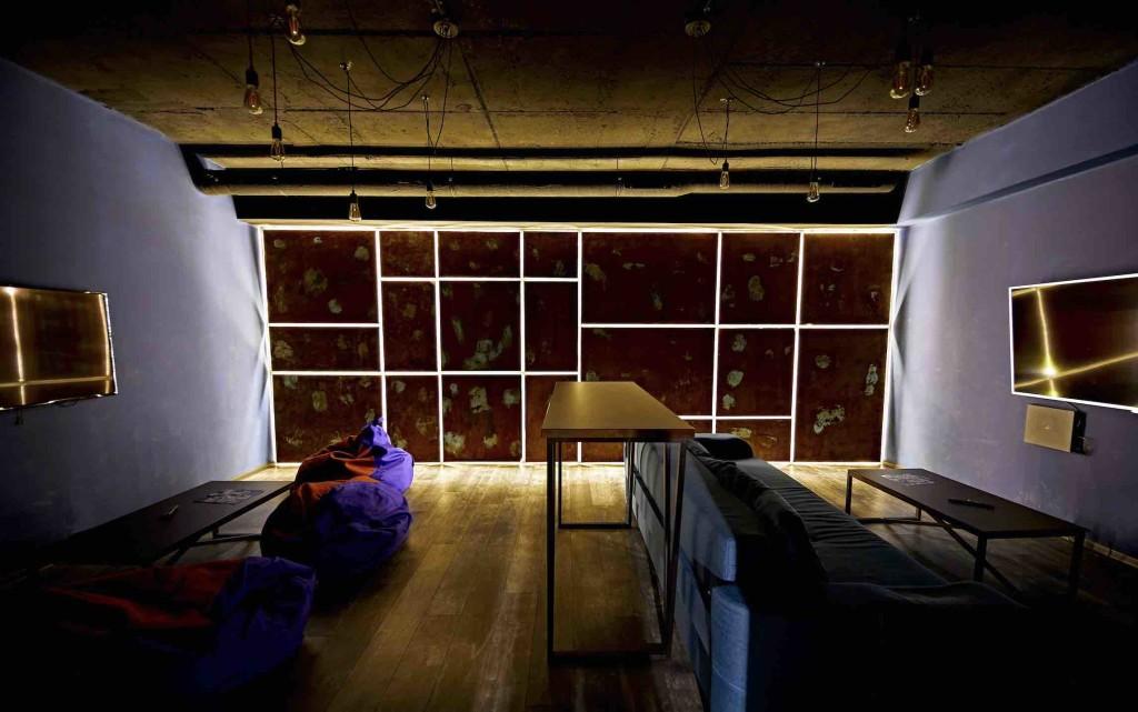 Интерьер кальянной Loft Game Bar в Киеве