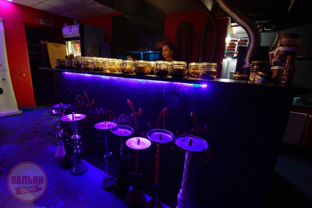 Барная стойка в кальянной F-Lounge на Бауманской