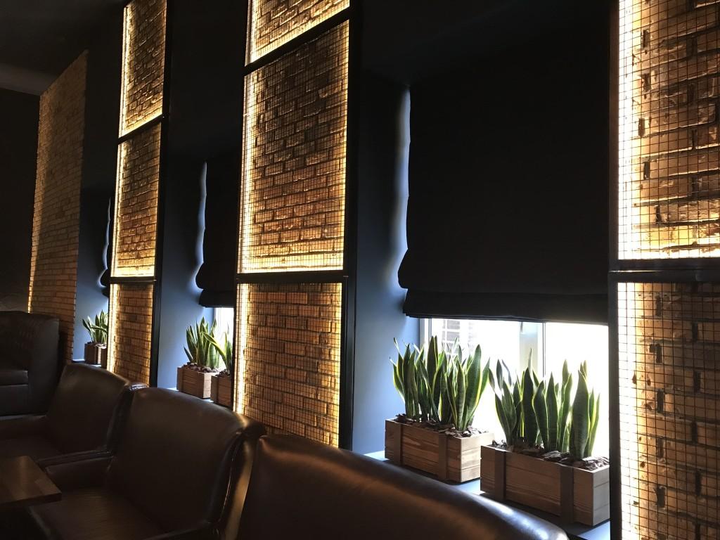 Тепло лофта и прикрытые от лишних глаз окна