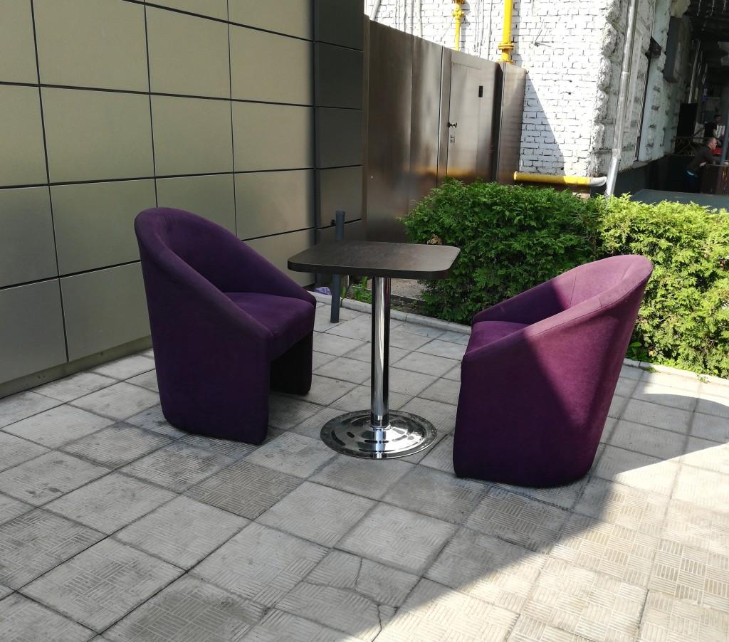Летняя площадка в ShishaS Lounge Bar