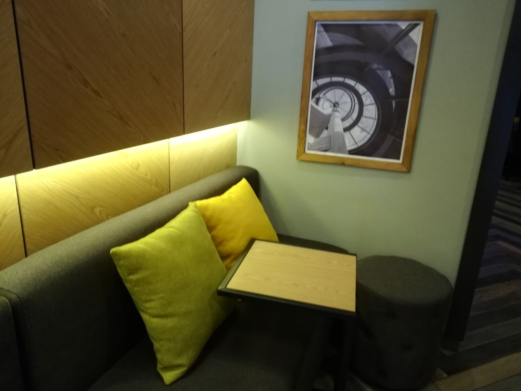 Детали в Nissa Lounge