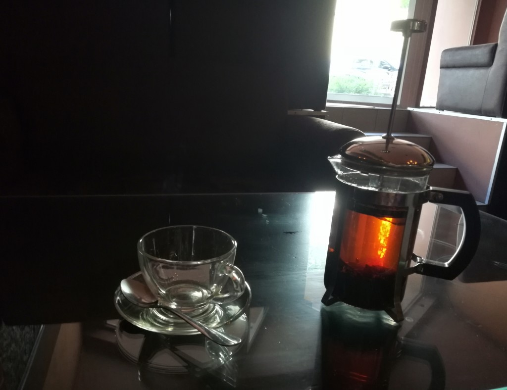 Подача чая с бергамотом в ST Hookah Naukova