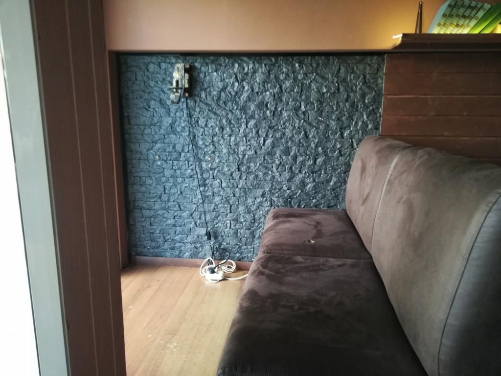 А вот и тот самый диванчик без столика ;)