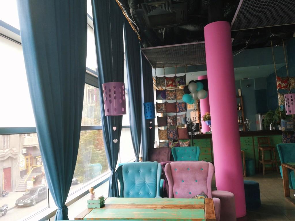 Потолки в Мечта lounge впечатляют своей высотой!