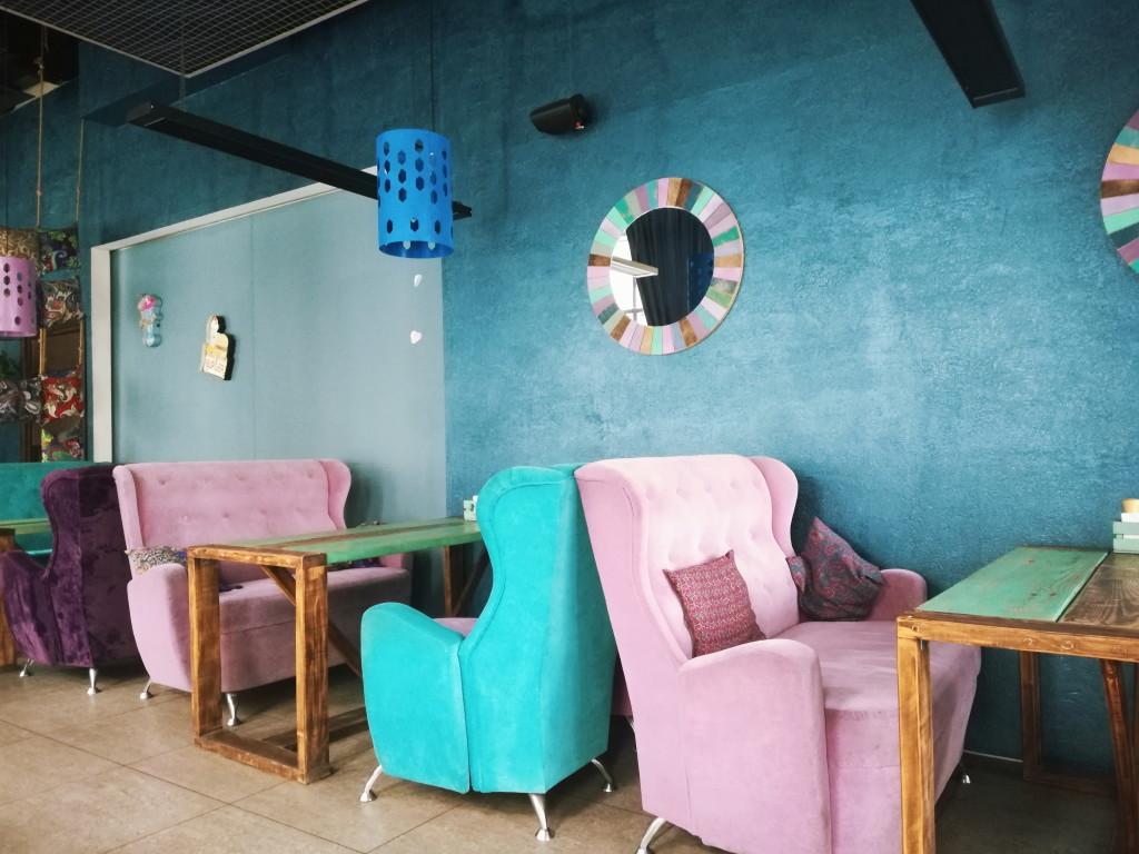 Помпезная и массивная мебель в Мечта lounge