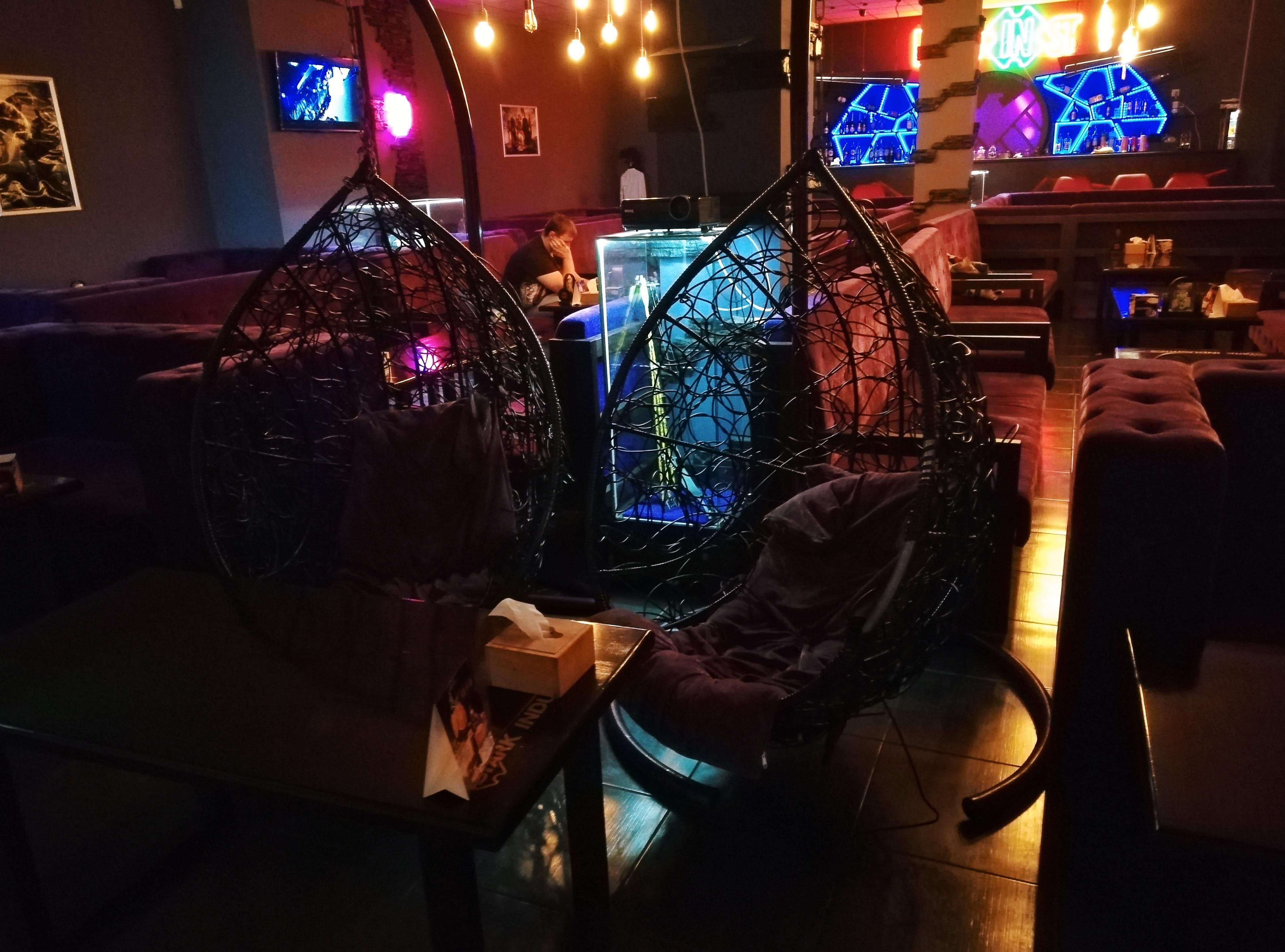 Кресла-капсулы в HERO in ST