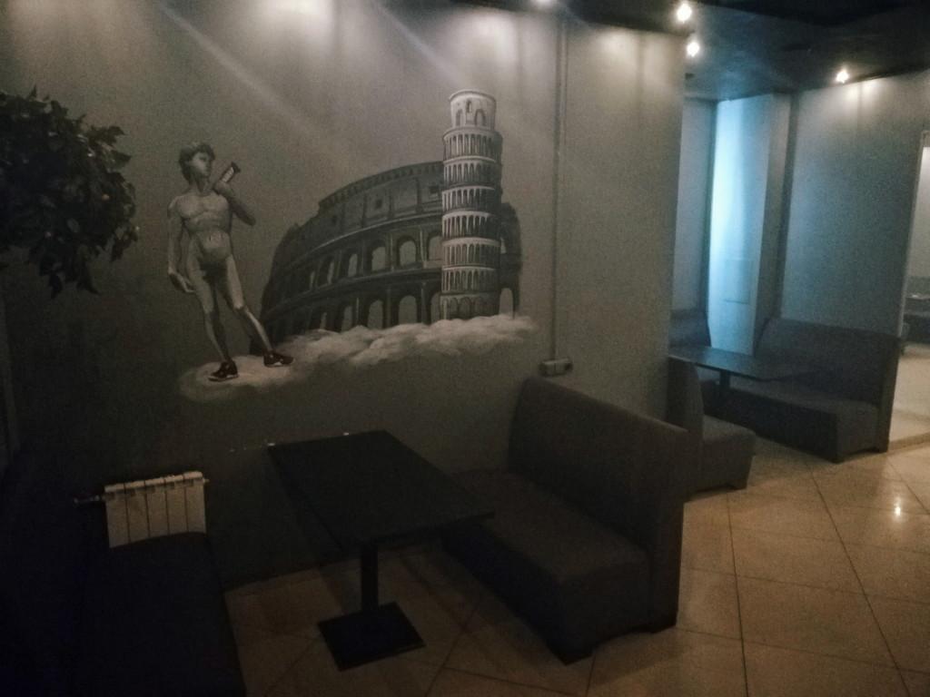 Рисунки на стенах в 19 Hookah