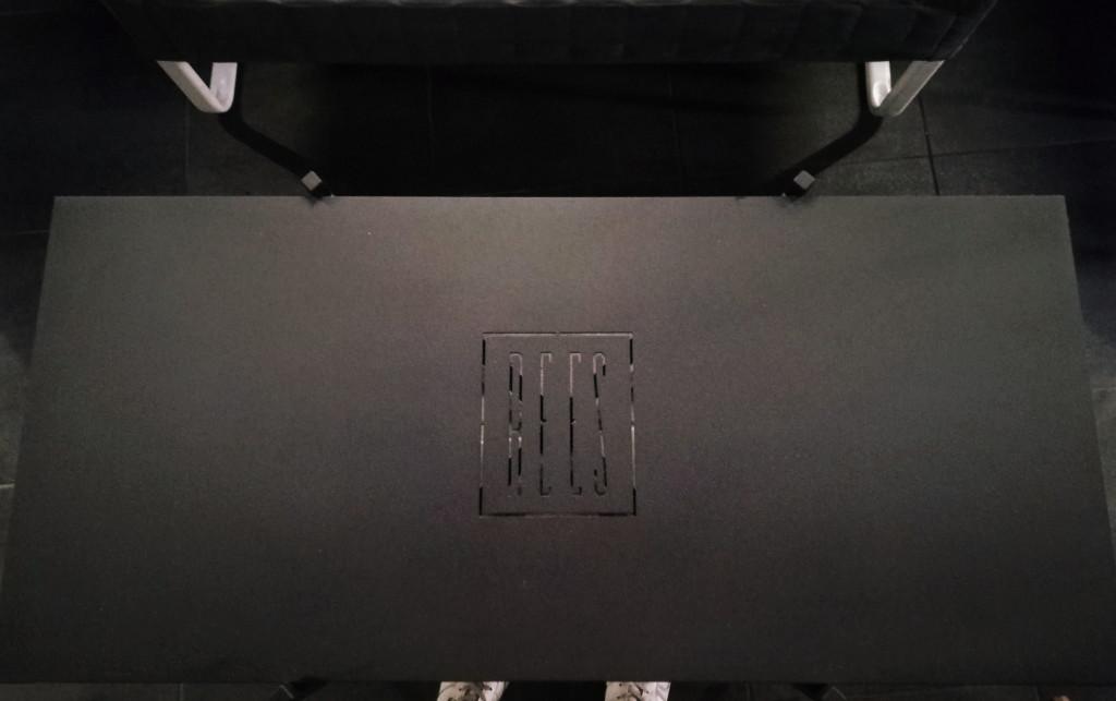 Столики с логотипом