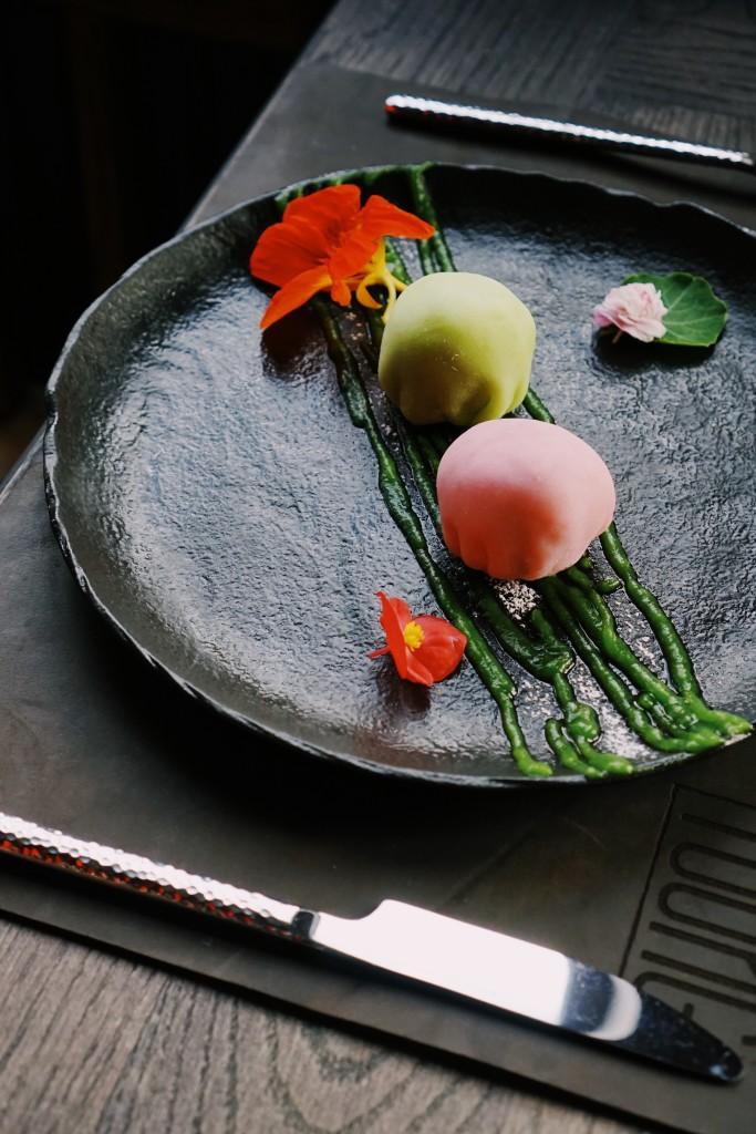 Моти с сезонными фруктами (49 грн)