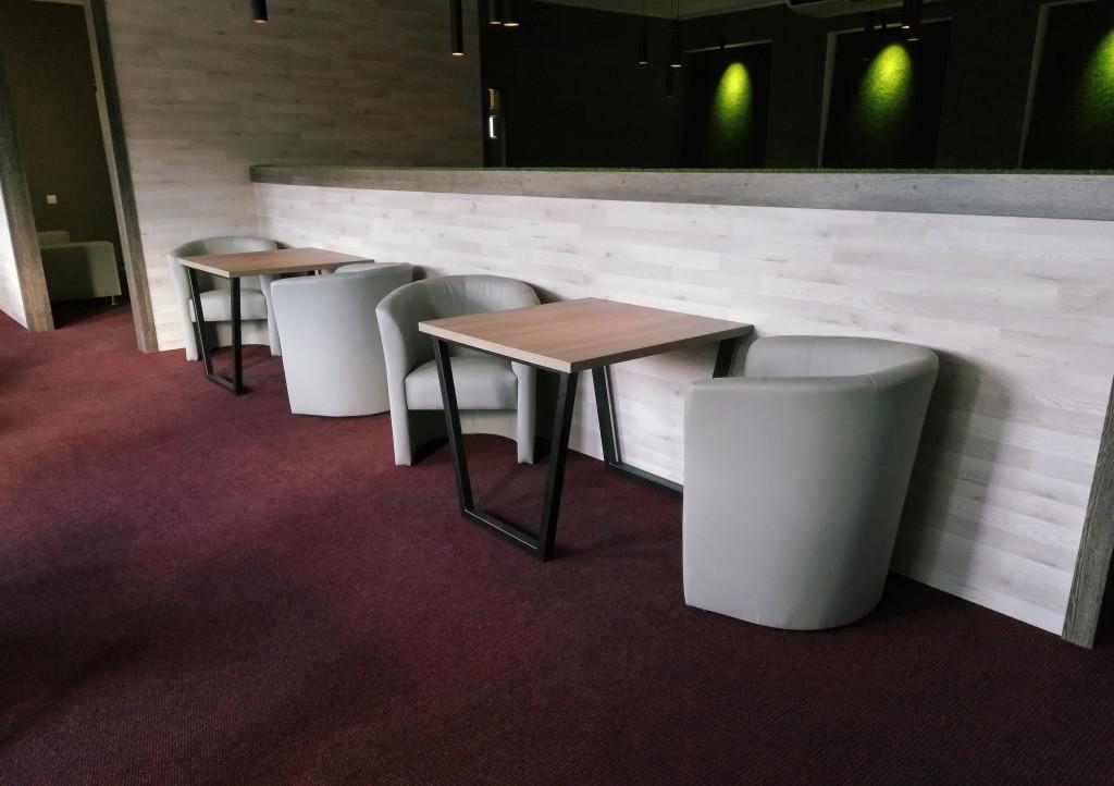 Столики с креслами