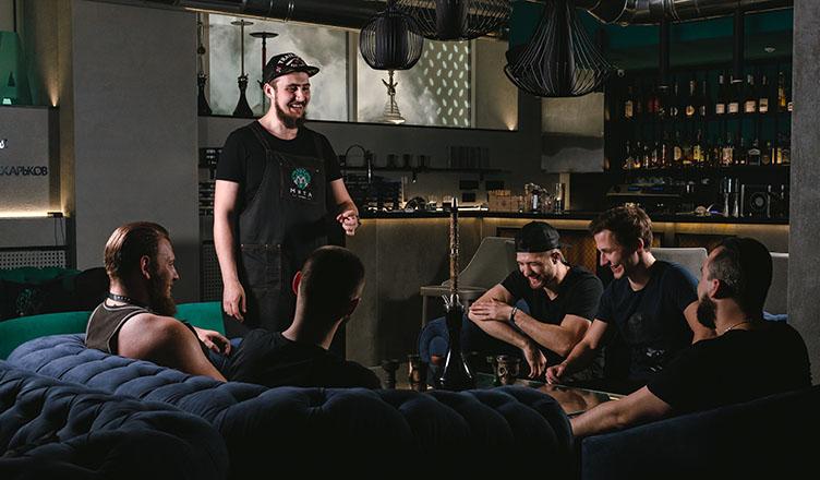 Мята на Алексеевке - это профессиональные кальянные мастера и компанейская обстановка 7 дней в неделю