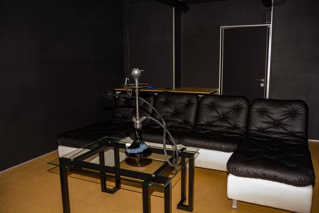 Игровая комната за отдельную плату: идеальное место для веселых компаний!