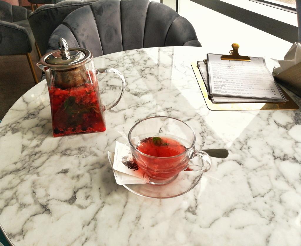 Ягодный чай в Maison