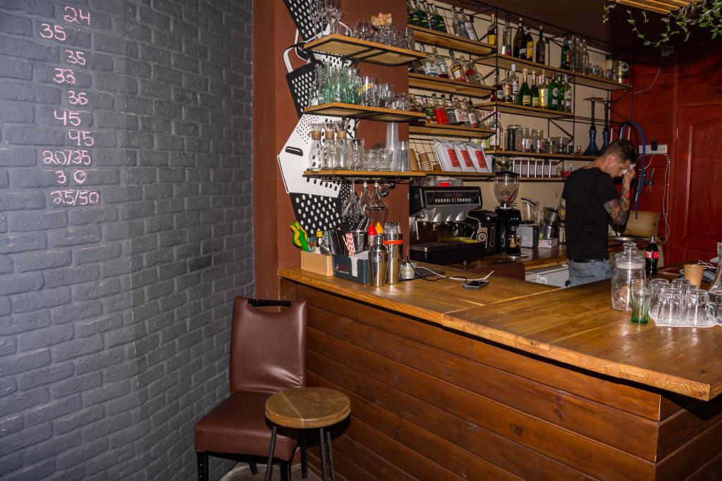 Барная стойка в кофейне Терки