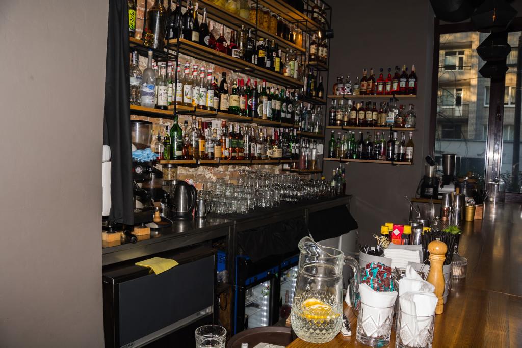 В Mixtura баре каждый найдет себе коктейль по душе