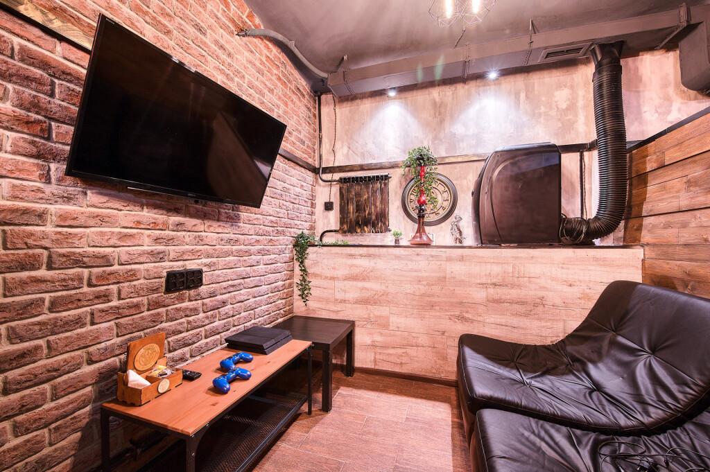 Бизон Хука на Войковской — комната с игровой консолью