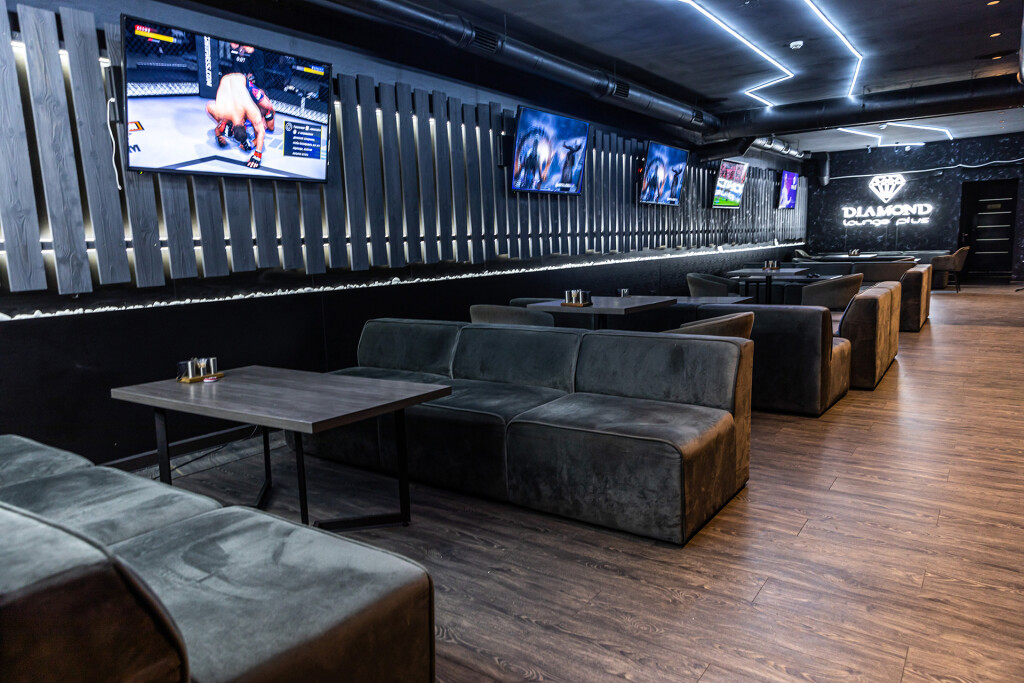 Интерьер Diamond Lounge Plus на метро Дворец Украина
