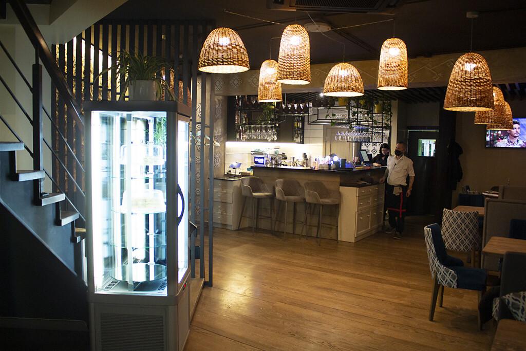 Первый зал под названием Лали — грузинский ресторан Дедико