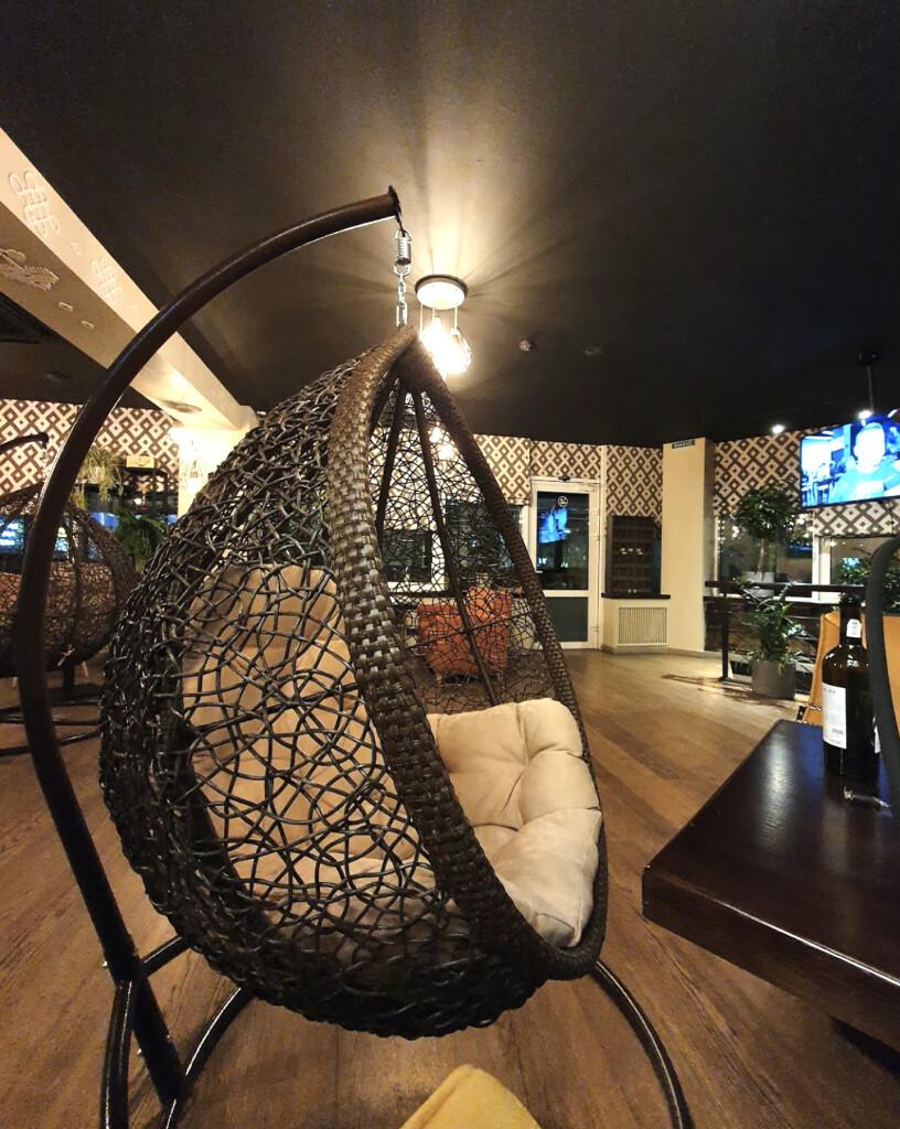 """Кресло """"кокон"""" на втором этаже Dediko Киев"""