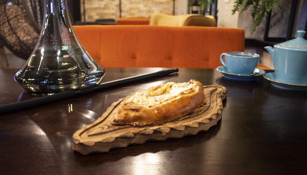 Фирменный хачапури в Дедико за 129 грн