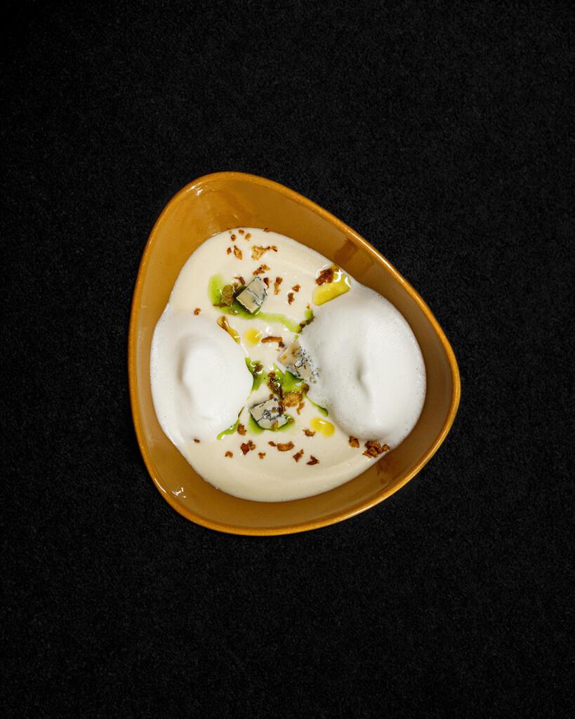 Сырный крем-суп с горгонзолой и трюфелем