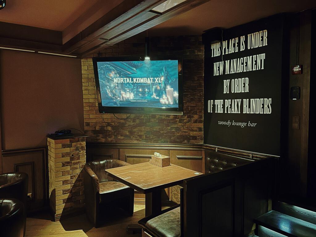 Цитата из сериала Острые Козырьки в кальянной Woody Lounge в Киеве